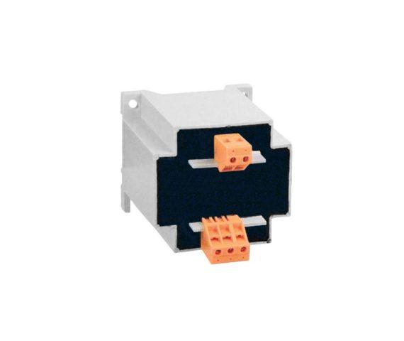 PS130 - Transformator 230/24 Vac wyposażony w przewód zewnętrzny z wtyczką do gniazdka 230V z możliwością instalacji na szynie.